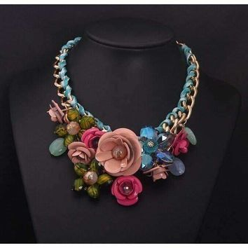 Beautiful Flower Chain Choker Necklace