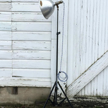Tripod Floor Lamp, Industrial Floor Lamp, Photography Lamps, Vintage Tripod Lamp, Mid Century Floor Lamp, Smith Victor, Studio Floor Lamp