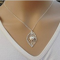 Beancase(TM) Fashion Leaf Pearl Layers Plate Pendant Necklace(1 Pc)