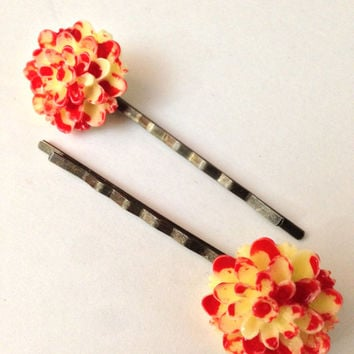 Yellow Bloody Flower, Creepy Hair Pin, Goth Bobby Clip, Halloween Accessory, Hair Clip, Zombie Hair Piece, Dead Flower, Bobby Pin