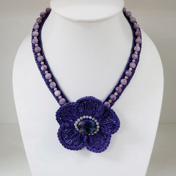 Crochet spring flower necklace with crystal bead