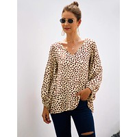V-neck Lantern Sleeve Graphic Print Slouchy Blouse