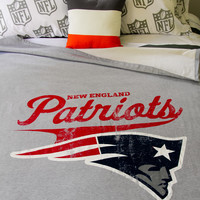 Aeropostale  Mens New England Patriots Throw Blanket