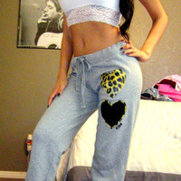 Victoria's Secret PINK CHEETAH LEOPARD HEART LOGO Gray Sweats Sweatpants XS