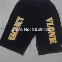 2017 New Vlone Shorts Men Knee Length Shorts Vlone Joint Section Skateboards Men Homme Hood By Air Joggers HipHop Leisure Shorts