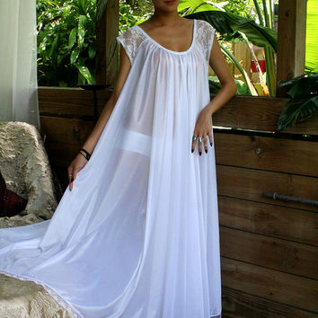 White Full Swing Nightgown Romantic Lingerie Bridal Wedding Lace Cap Sleeve Sleepwear