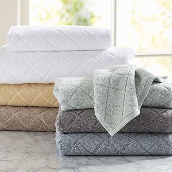 Diamond Sculpted 600-gram Weight Bath Towels