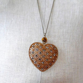 Heart pendant / lattice / sparkling / rhinestone / gold tone / vintage / 1940s / long necklace / gift / beaded / chain / statement necklace
