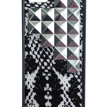 Snakeskin Silver Studded Pyramid iPhone 5/5s Case