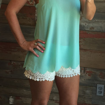 Scalloped Tie Back Top: Mint