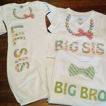Set of 3 Sibling Shirts pastel ~ Sibling Shirts ~ Big Sister ~ Little Sister ~ Big Brother ~ Sister ~ Brother ~ Necklace Onesuit