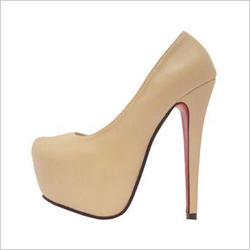 Closed-Toe Platform Pumps