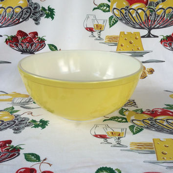 1940s Pyrex Yellow 4 Qt Mixing Bowl Un-numbered Primary Set Vintage Kitchen Mid Century