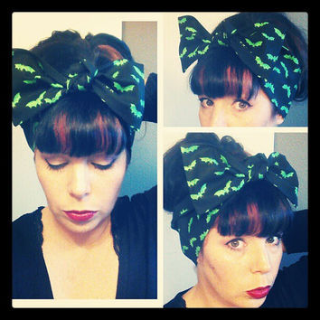 Black with Bright Green Bats Headwrap Bandana Hair Bow Tie 1940s 1950s Style for Women, Teens