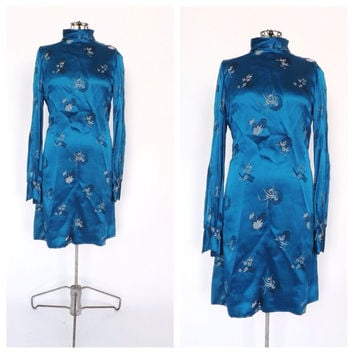 Vintage 1970s Teal Blue Embroidered Floral Baby doll Dress Mini Dress Long Sleeve Size Small Oriental Chinese Dress Geisha Kimono Dress
