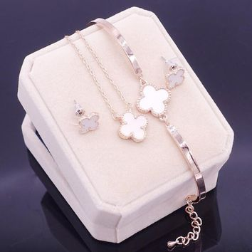 One-nice™ Fashionable four-leaf clover necklace chain bracelet with chain bracelet with three pieces set accessories