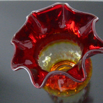 New England Amberina Blown Glass Vase Ruffle Ribbed Design