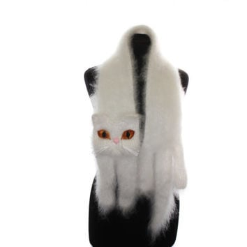 Knitted Scarf / White Persian cat / Fuzzy Soft Scarf / cat scarf / knit cat scarf / Animal scarf / pets