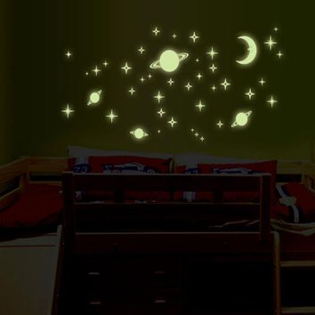 1pcs Wall Stickers For Kids Room Bedroom Wall Decal Moon Luminous Star Glow In The Dark Baby Wall Sticker Home Decor Wallpaper
