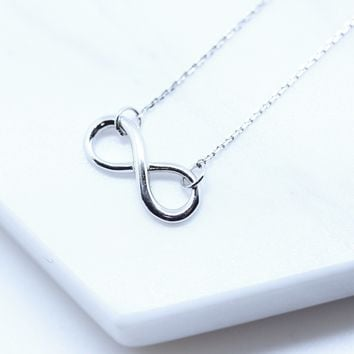 Classic Infinity Plain Sterling Silver Chain Necklace