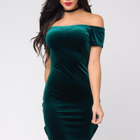 Noellia Green Velvet Dress