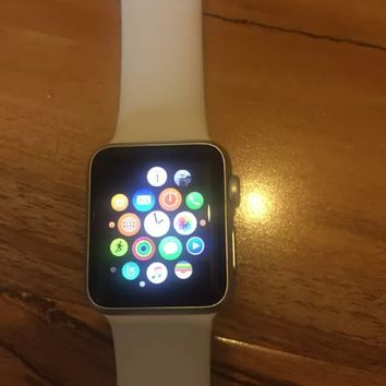 Apple Watch Series 3 (cellular and GPS)jkhk