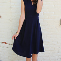 Sleeveless Notch Neck Fit and Flare Midi Dress - Navy Blue
