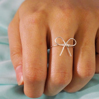 Dainty Sterling Silver Bow Ring, size 7