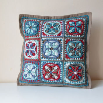 PDF Pattern of Crocheted Pillow - overlay crochet - Lucky quatrefoil granny square motif - Instant download