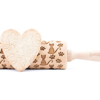 Loner cat - Embossed, engraved rolling pin for cookies