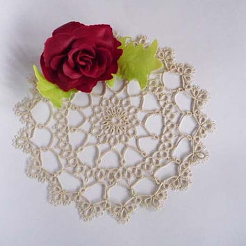 Handmade doily ivory - home decor - tatting shuttle - tatting doily - shabby chic - new vintage doily