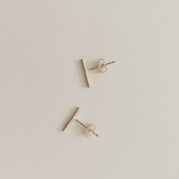 9ct Yellow Gold line bar stud earrings available 9ct rose or 9ct white Gold