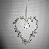Shabby Cottage Natural White Heart with pearls and jewellery, Hanging Decoration, Shabby French Cottage for Festive Decoratin
