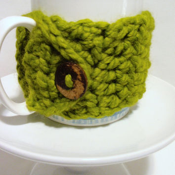 Coffee Cup Cozy / LEMON GRASS / crocheted Chunky Mug Cozy with Coconut Button Acrylic and Lambs Wool / Birthday Gift / Ready to SHIP