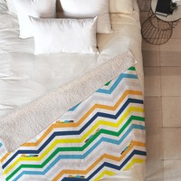 Vy La Train Chevron Fleece Throw Blanket