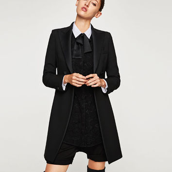 FROCK COAT WITH CONTRASTING LAPELS