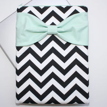 MacBook Pro / Air Case, Laptop Sleeve - Black and White Chevron Stripes with Mint Bow and Back Zipper Pocket - Double Padded