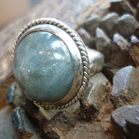 Sterling silver stone ring with round labradorite by Ellishshop