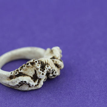 Gothic cthulhu octopus tentacle resin ring bone Large