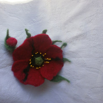 Felt poppy brooch,felt red black flower brooch,felt brooch.green flower brooch,felt poppy,accessories,jewelry, felt flowers pin,scarf. dress