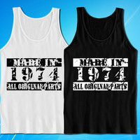 Made In 1974 Vintage Look 40th Birthday Gift Present tank top for mens and womens