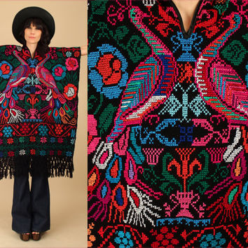 ViNtAgE 60's 70's PEACOCK Fringe Huipil // Black Poncho // Mexican Artisan // Embroidered Cape Sweater // Needle Point Punto de Cruz o/s