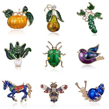 Halloween Pumpkin BroochBird Bee Snail Horse Pear cucumber Enamel Women's  Weddings Banquet Brooch Pins New Year's Gifts unicorn