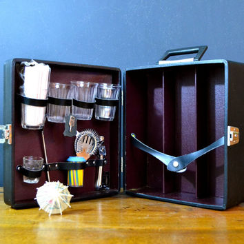 Vintage Bar Carrying Case, Portable Bar, Lockable Case with Key, Travel Bar Set, The Portable Pub Case