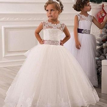 2017 New Christmas White Flower Girl Dress Lace Up Hollow Lace Appliques Ball Gown Layered Organza Wedding Party Dress for Baby