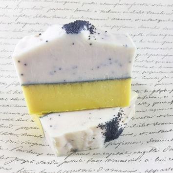 Lemon Poppy Seed Soap / Cold Process Soap / Handmade / Exfoliant