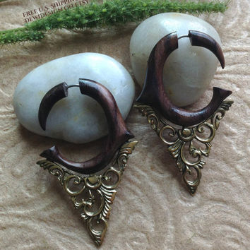 "Fake Gauge Earrings, ""Esméralda"", Natural, Sono Wood, Brass, Handcrafted"