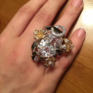 SALE   10CT Oval Cut Mixed Metal Floral Cocktail Ring