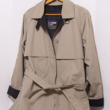 Classic London Fog Trench Coat  Size 10 Regular  Zip out  Lining