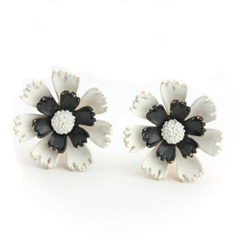 Signed ART White and Black Flower Earrings / Clip on Earrings